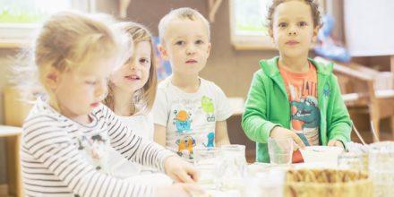 Kinder Zwergengarten essen trinken jausnen