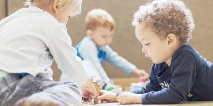 Kinder Zwergengarten Spielen lernen miteinander