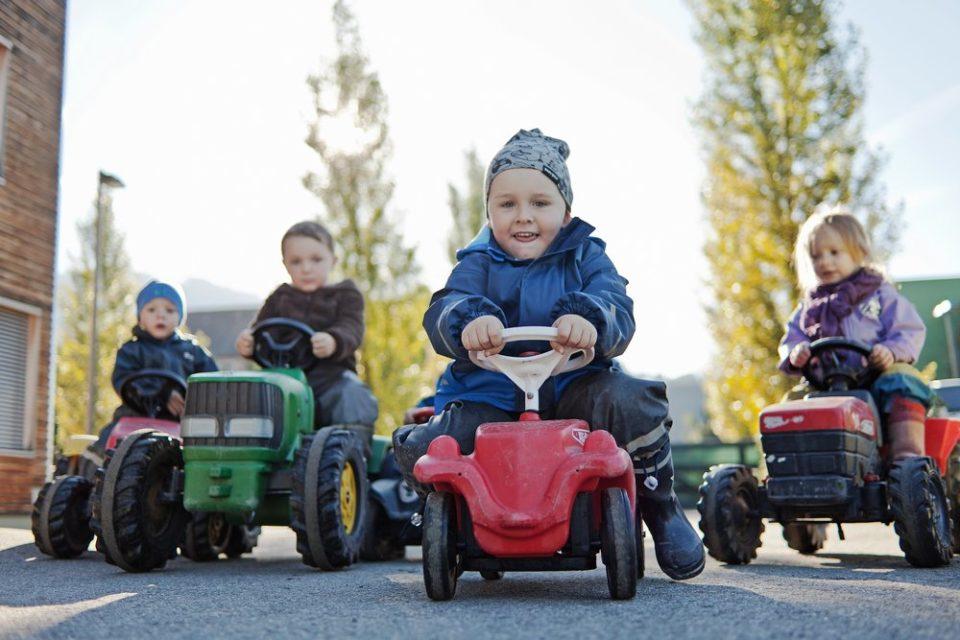 Bewegung Bobby Car Kinder Düsen