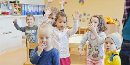 Kinder Zwergengarten Bewegung Einrichtung Freude