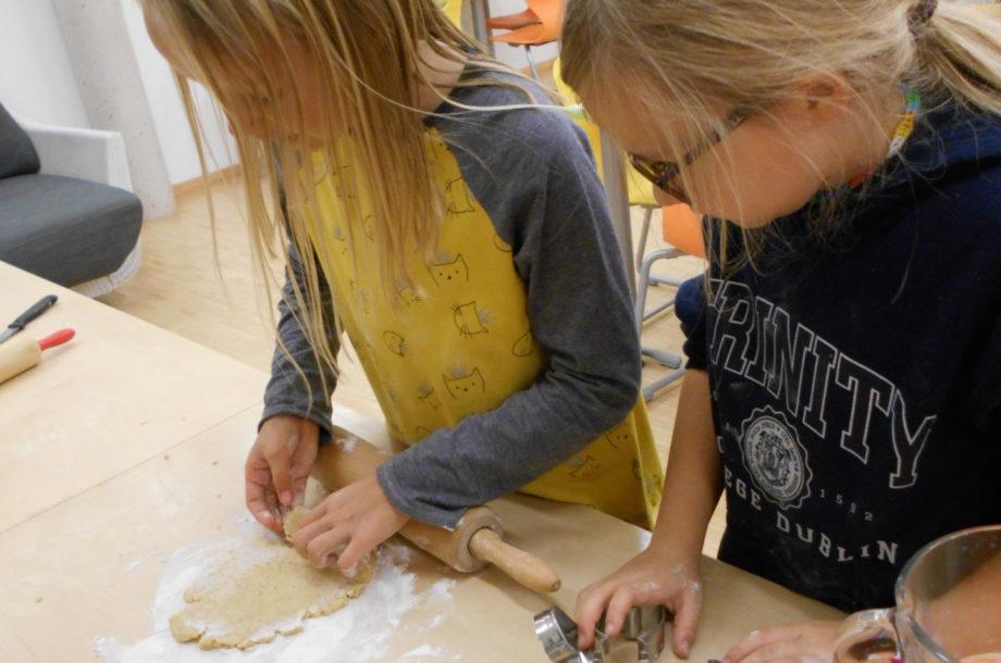 Volksschule Rankweil: Kekse backen