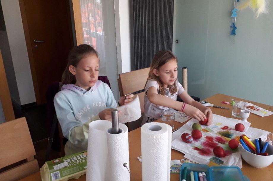 Tagesmütter Dornbirn: Kreative Osterbasteleien