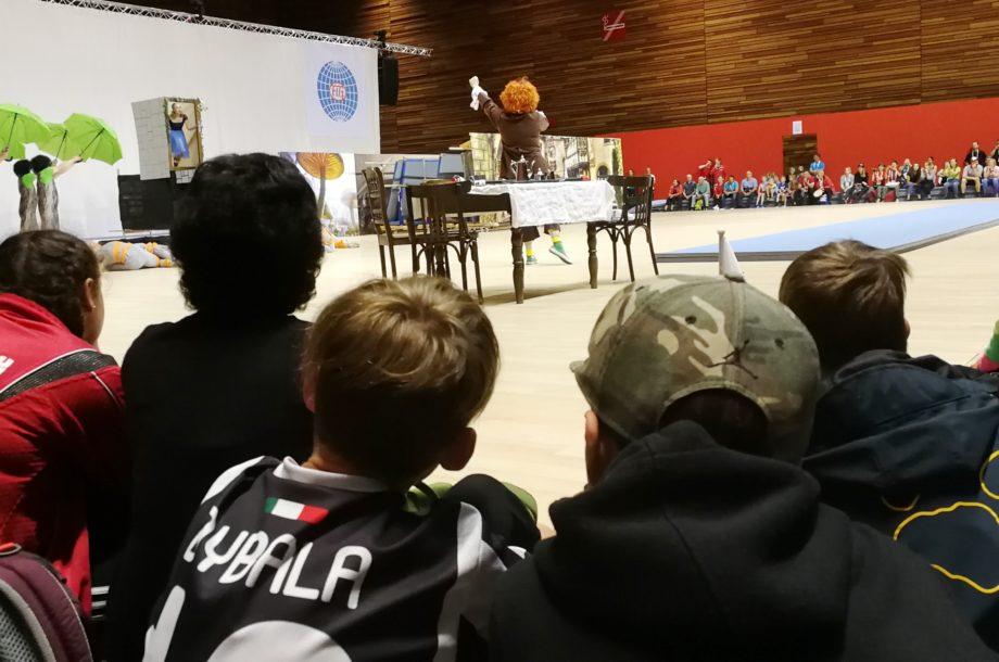 Ferienbetreuung Zwischenwasser: Besuch der Weltgymnaestrada