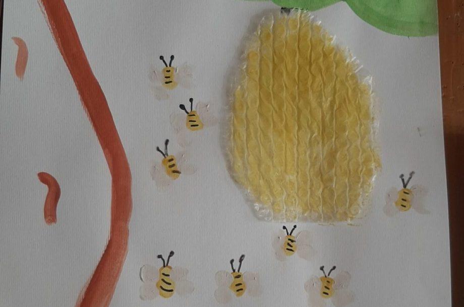 Volksschule Bildstein: die Biene im Mittelpunkt