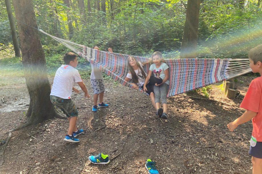 Ferienbetreuung Höchst: Spiel und Spass im Wald