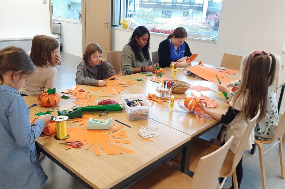 Kreatives Gestalten in der Ferienbetreuung in Wolfurt