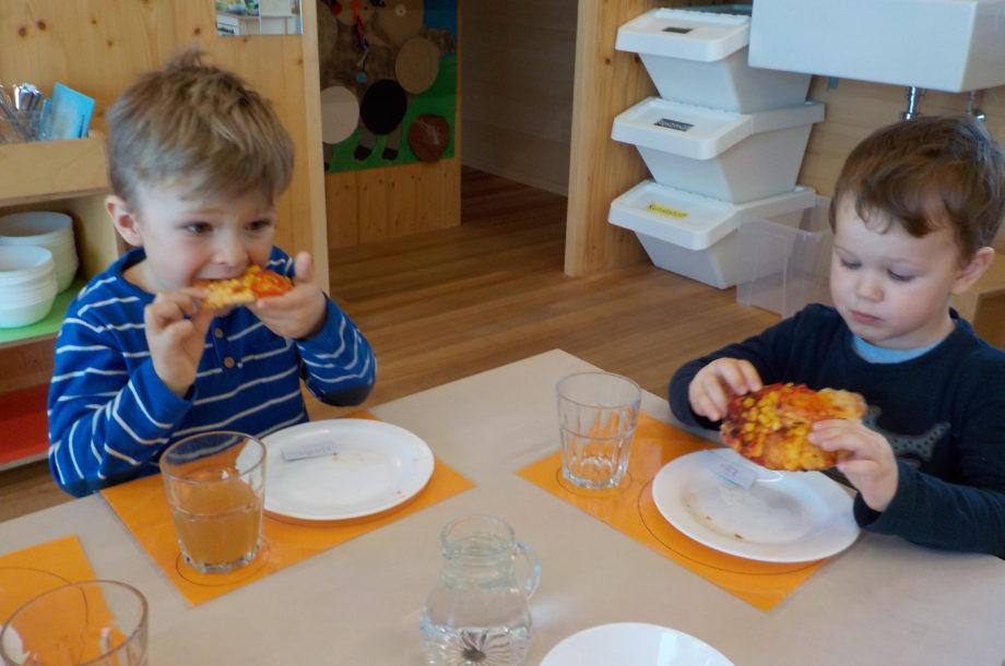 Pizza backen im Zwergengarten Langenegg