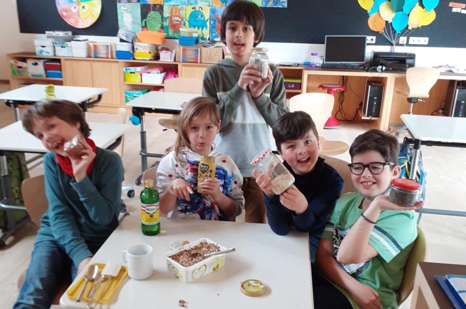 Kreativ-Station Backen in der Schülerbetreuung Brand