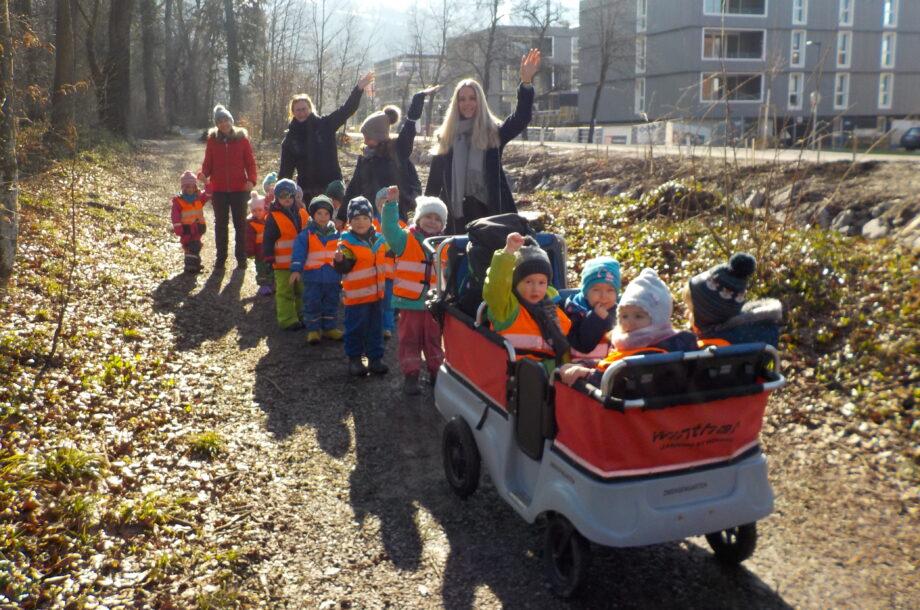 Bepflanzungsaktion am Haselstauderbach