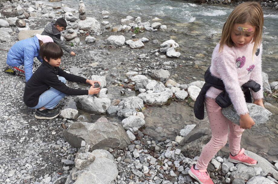 Schülerbetreuung Brand: Steinmännle bauen
